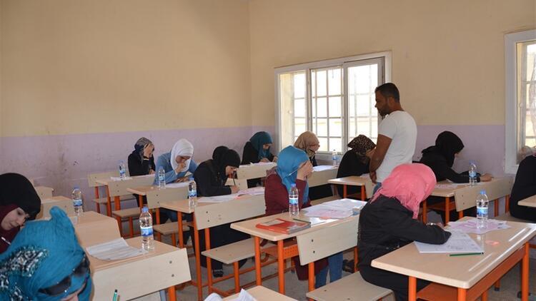 Suriye'de düzenlenen YÖS'e 800 aday katıldı