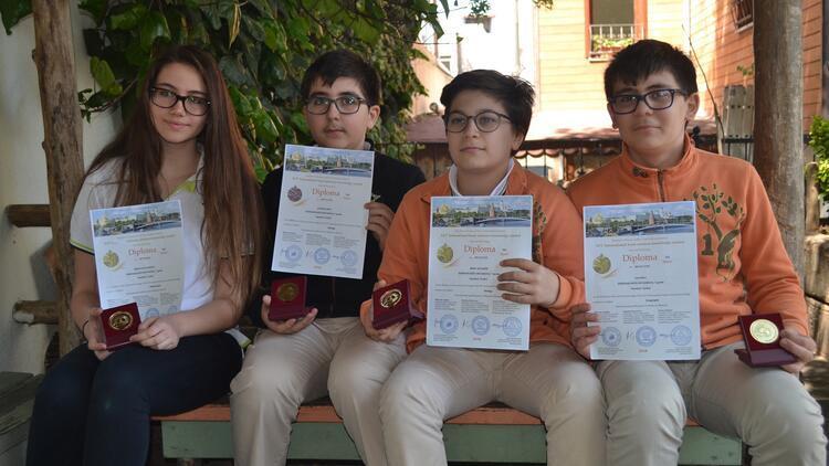 Türk öğrencilere 3 altın, 1 bronz madalya