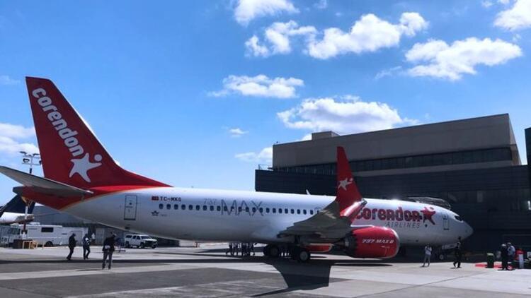 İlk Boeing 737 Max 8 Antalya'ya indi