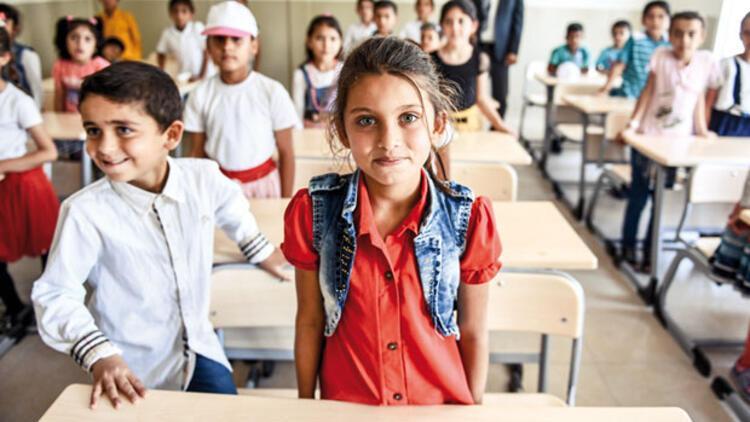 Geçici kampta AB'den kalıcı okul