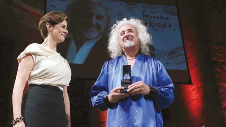 Ödül Mischa Maisky'ye