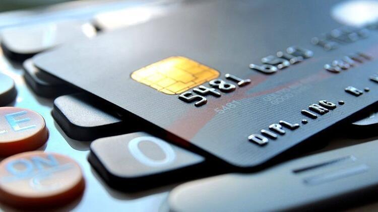 Müşteri hizmetleri yeterli gelmeyince kredi kartını değiştiriyorlar!