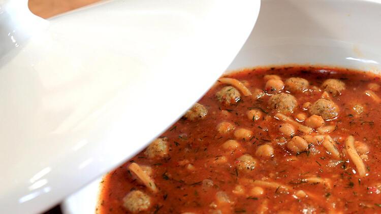 Tarhana köfteli çorba tarifi