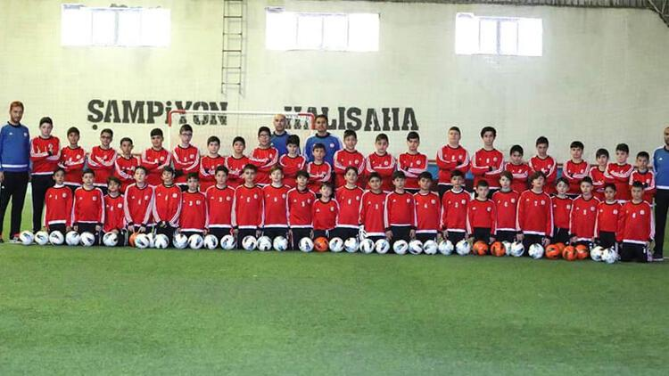 "Sivas'ta ""Futbol Okulu Projesi"""