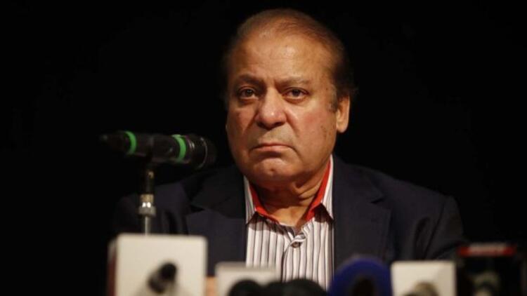 Hapis cezası alan eski başbakan Şerif Pakistana dönüyor
