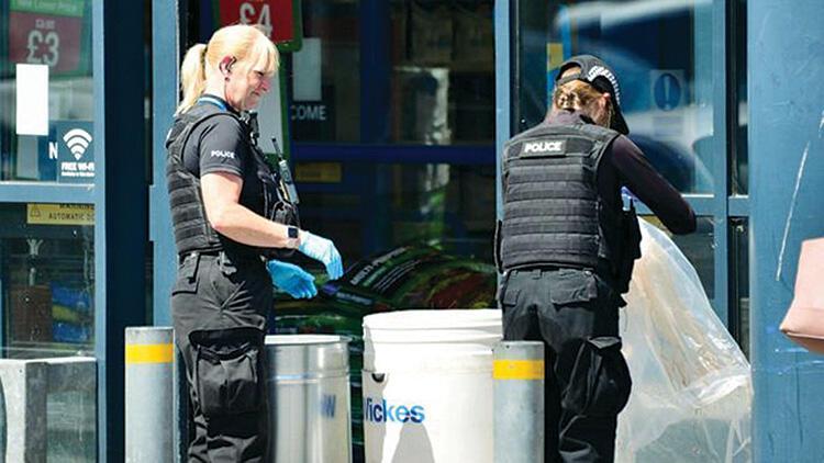 İngiltere'de bir bebeğe asitli saldırı