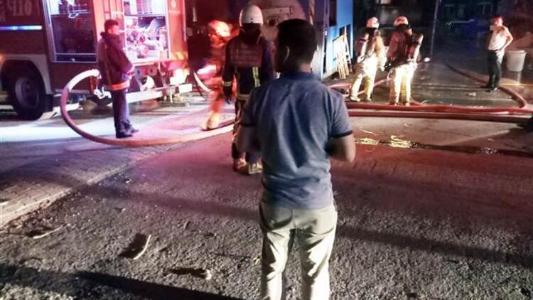 İstanbul'da aynı gecede 2 fabrika yandı