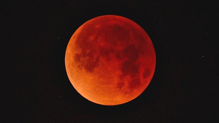Kanlı Ay tutulması başlıyor, izlerken aman dikkat!