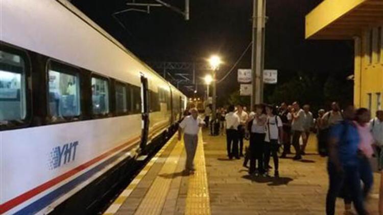 Kocaeli'de yol açıldı, tren seferleri başladı; yeni yağış uyarısı yapıldı