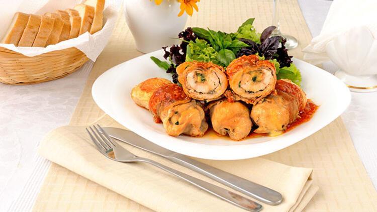 Ceviz pesto ve pastırmalı tavuk sarma tarifi