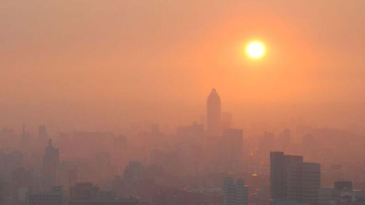 Dünya iklim değişiminde 'geri dönüşü olmayan yola girebilir'