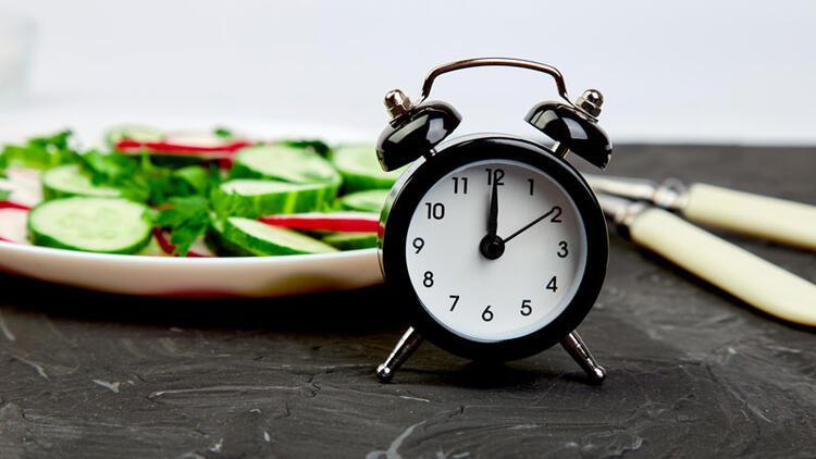 Aralıklı oruç diyeti gerçekten sağlıklı mı?