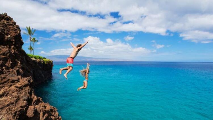 Uzun güneş banyosundan  sonra denize, havuza atlamayın!