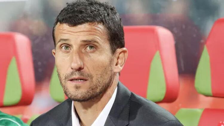 İngiltere'de ayın teknik direktörü Javier Gracia