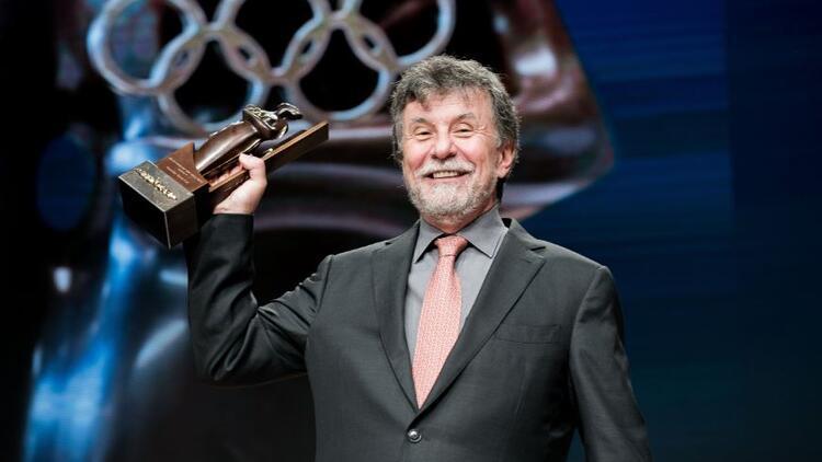 """Uluslararası Olimpiyat Komitesi'nin """"Kadınlar ve Spor Dünya Ödülü"""" Eczacıbaşı Spor Kulübü'nün"""