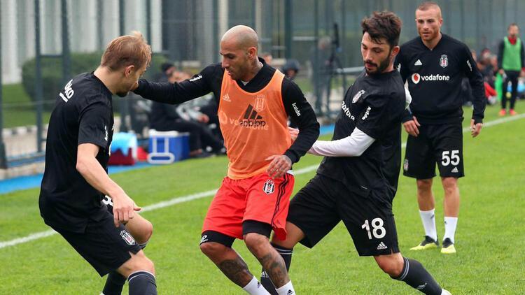 Beşiktaş, U21 takımıyla 2-2 berabere kaldı! Adriano'nun durumu...