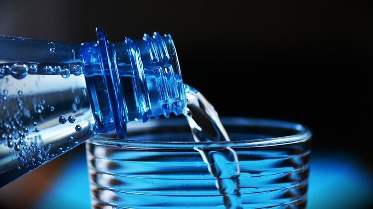 Doğal maden suyunu cildinizde tonik olarak nasıl kullanabilirsiniz?