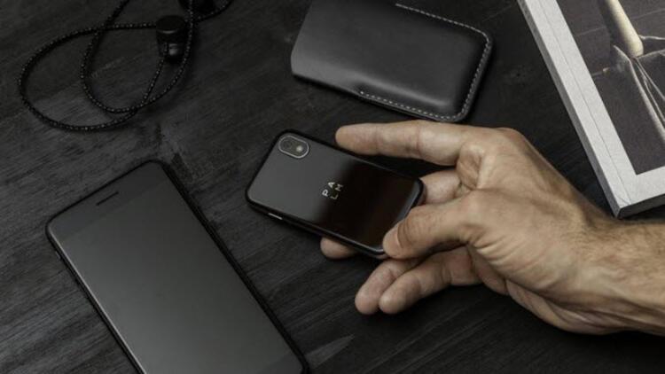 Palm, mini akıllı telefonuyla geri döndü!