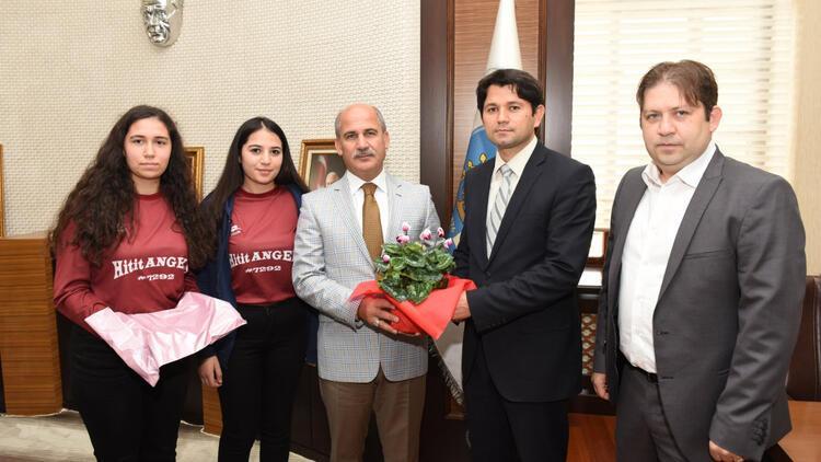 Çorumlu öğrenciler robot yarışmasında Türkiyeyi temsil edecek