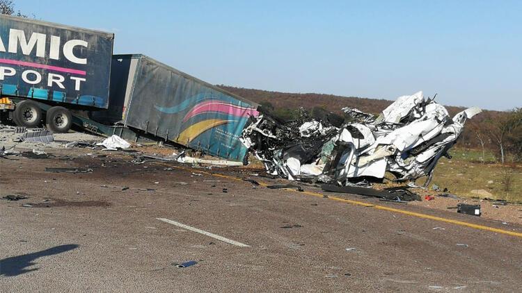 Güney Afrika'da trafik kazası: 28 ölü
