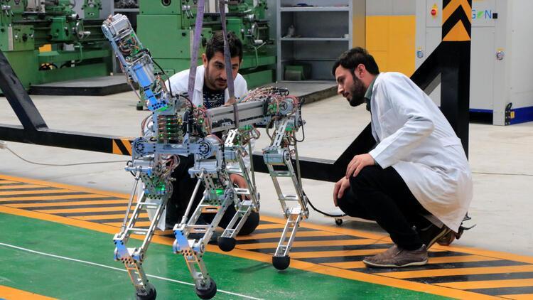 """Robot """"ARAT"""" dörtnala koşacak"""
