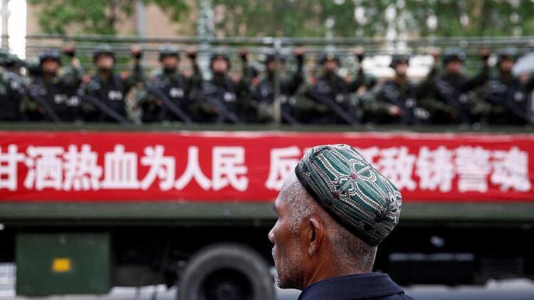 Çin'de Uygur Türklerinin tutulduğu kamplar 'cephanelik' gibi