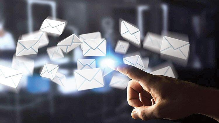 Yerli e-mail yolda!