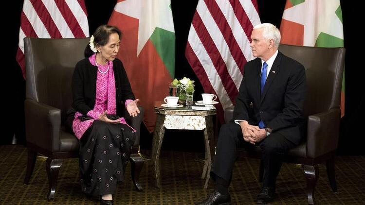 Mike Pence: Arakanlı Müslümanlara karşı şiddetin özrü yok