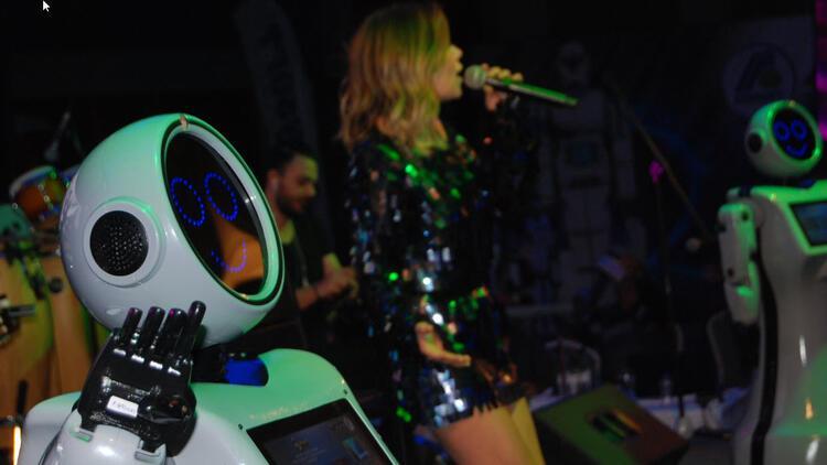 Robot Adadan dans şov