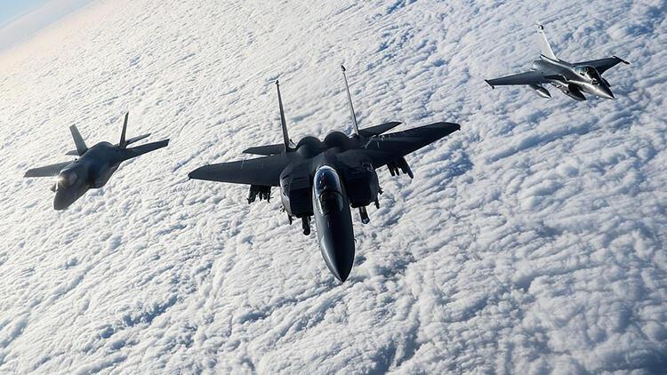 İngiltere, ABD ve Fransa, Rusyaya karşı havalandı