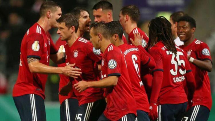 Taraftarı Bayern Münihe o formayı çıkarttırdı