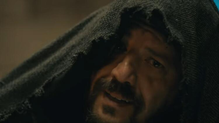 Diriliş Ertuğrul dizisinde Dragos karakterini canlandıran İlker Aksum kimdir İşte hakkında bilgiler