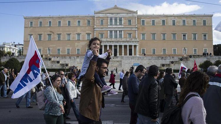 Yunanistan genel greve gitti
