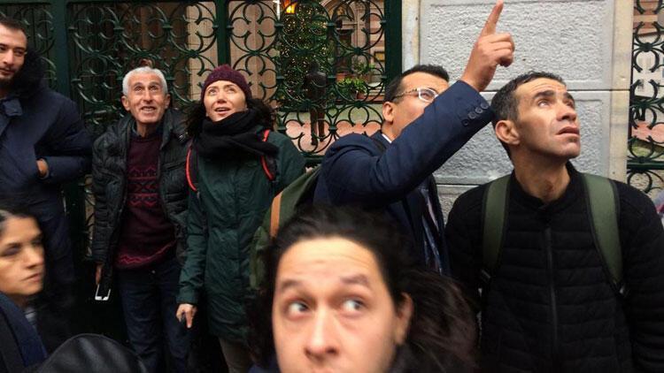 Taksimde intihar girişimi... Tramvay seferleri durduruldu