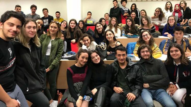 Pınar Deniz, üniversitelilerle bir araya geldi