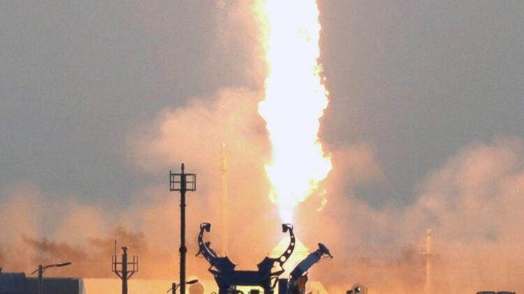 Güney Kore yerli üretim roket motorunu test etti