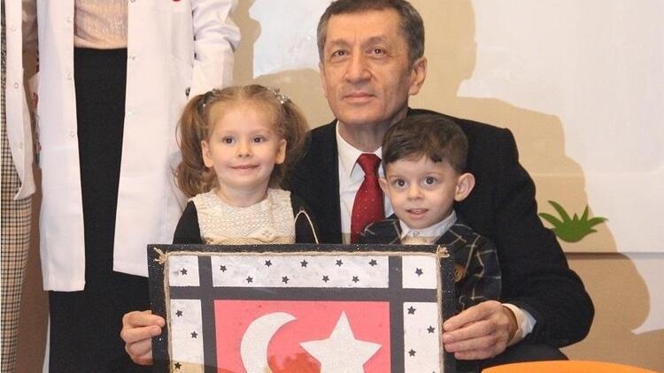 Milli Eğitim Bakanı'ndan ailelere: Bırakın çocuklarınız mücadele etsin