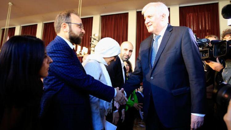 'Türk İslamı', 'Alman İslamı' olmaz. İslam evrenseldir