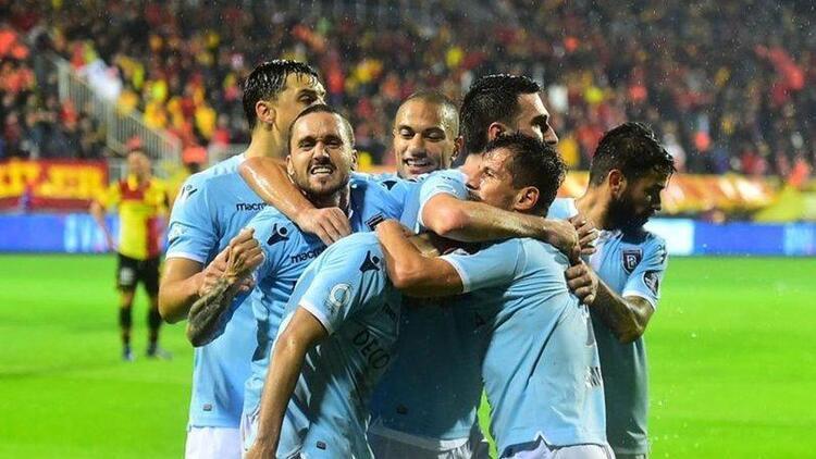 Lider Başakşehir, Sivassporu konuk ediyor 4 eksik...