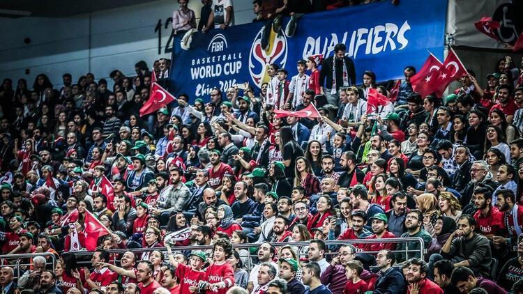 FIBA'dan taraftarlara ve Semihe övgü