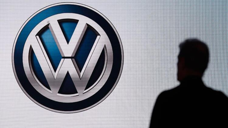 Volkswagen ve Tesco, İngilterenin en büyük ücretsiz araba şarj ağını kuracak