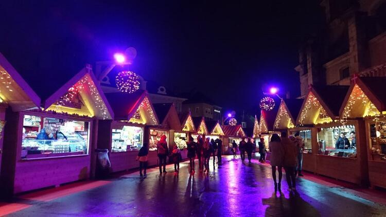 Annecy Gölü manzaraları ve Noel sokakları
