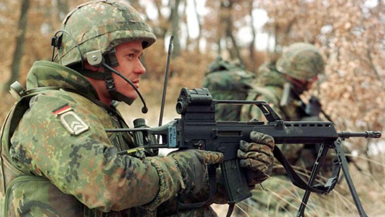 Almanya, AB vatandaşlarını askere almayı planlıyor