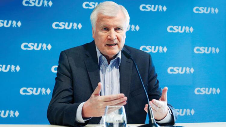 Seehofer: Şiddete başvuran sığınmacılar ülkemizi terk eder