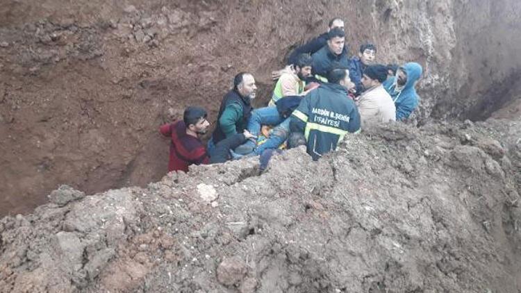 Kanalizasyon kazısında toprak altında kalan işçi öldü