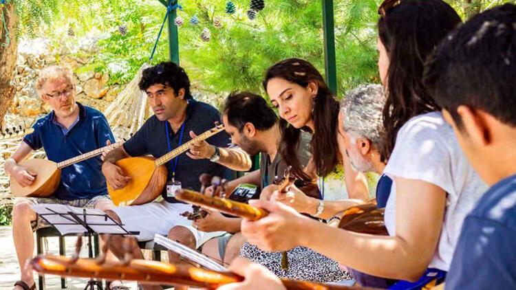 Türk derneği Almanya'ya 'Müzik Köyü' kuruyor