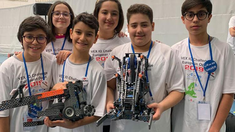 Türk öğrencilerden Finlandiya'daki Robotik Yarışması'nda büyük başarı