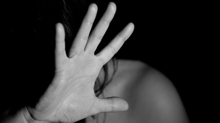 Ünlü müzikalde yönetmene oyuncudan 'cinsel saldırı' suçlaması