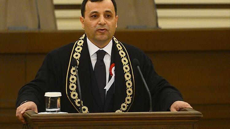 AYM Başkanı Zühtü Arslan kimdir kaç yaşında?
