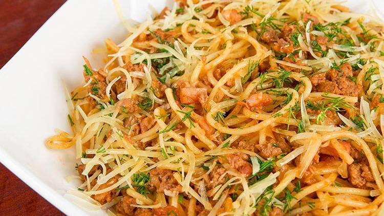 Kayısı soslu ızgara tavuklu noodle tarifi